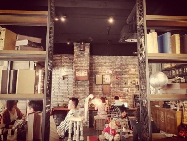 cafe26 苓雅-麓琦咖啡道館 科技工業風當道 愛因斯坦也坐鎮