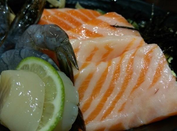 colordon09 中壢-築地鮮魚 Sogo旁 夠意思的三色丼