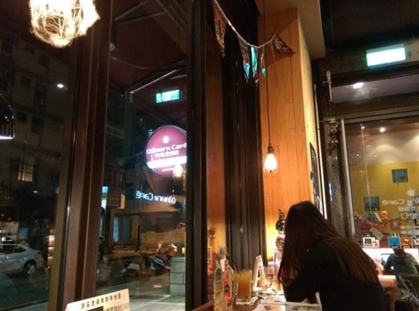 demmark14 中壢-丹馬克咖啡 溫暖空間少數開到半夜的咖啡廳