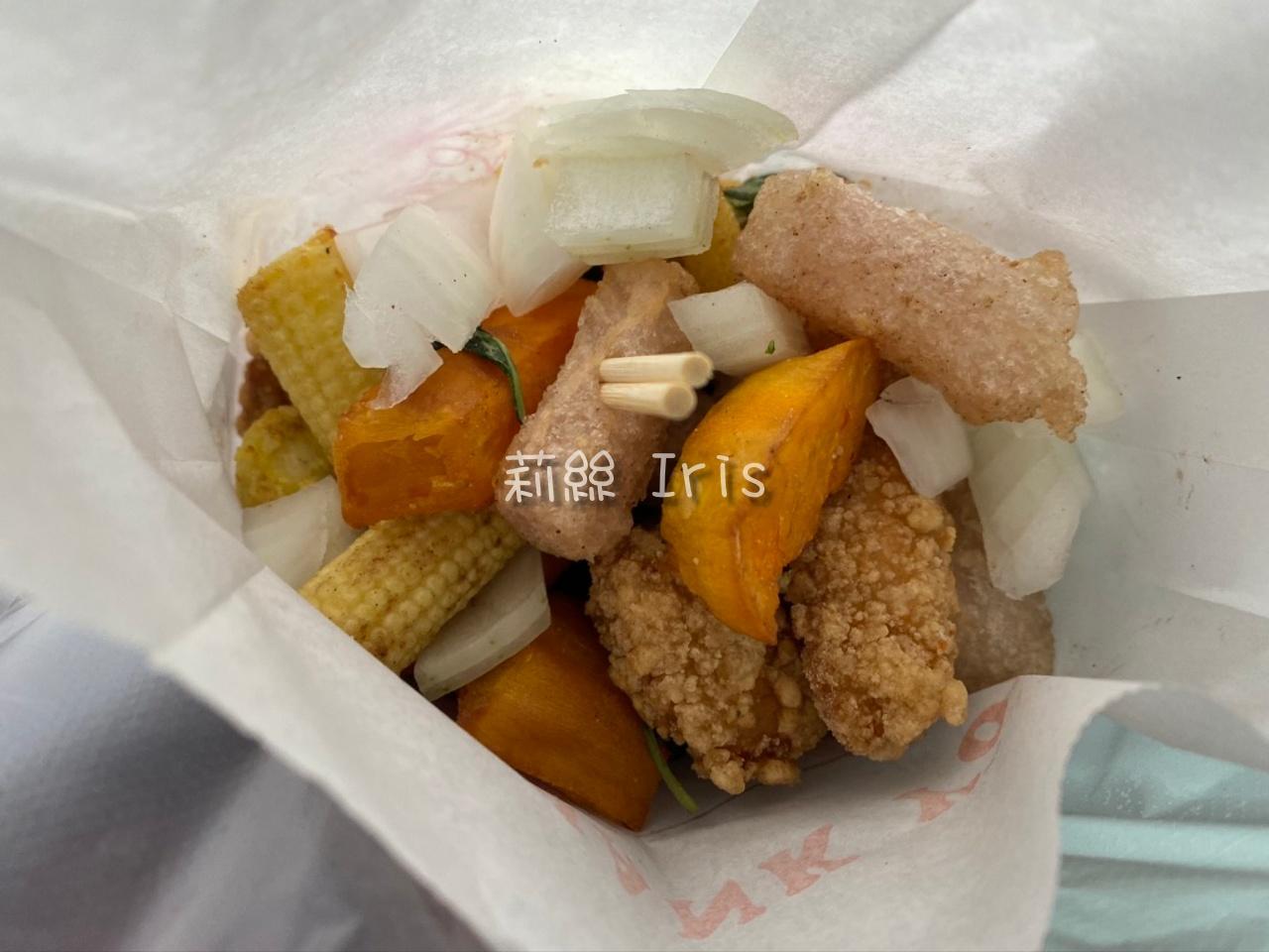 台南鹹酥雞》酥艷文鹹酥G,無敵好吃又不油,絕對回訪!免費加上洋蔥、九層塔!