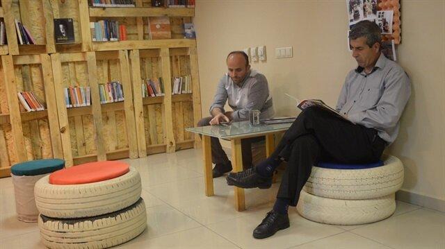 Geri dönüşümden genö dönüşüme kütüphanesi Kocaeli Uluslararası Gençlik Merkezi içerisinde yer alıyor.