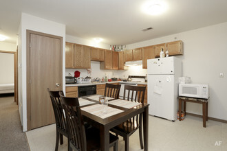4 Bedroom Kitchen Castle On Locust Individual Leases Available