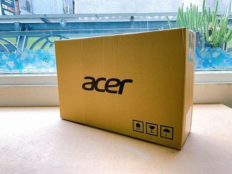 Acer Aspire 5 A514 14吋輕薄獨顯筆電外箱