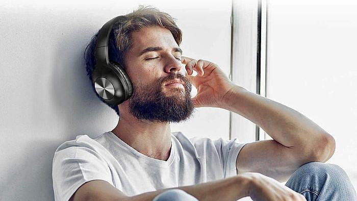 耳罩式耳機與耳道式耳機差異