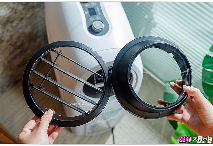 「可調節出風口葉片」即可變換冷氣/暖氣送風方向