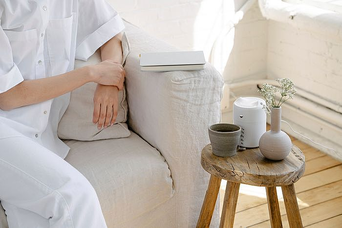 加濕器/水氧機陪你吟濕作對,加濕器挑選與熱銷推薦,夜晚入眠喉嚨不乾燥