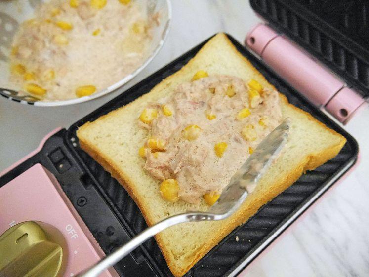 五分鐘速戰速決!定時加熱烘烤簡單方便 富力森FURIMORI 熱壓三明治點心機開箱