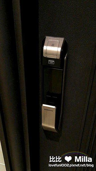 三星SHS-P718電子鎖:健忘症救星,讓鑰匙從此掰掰!