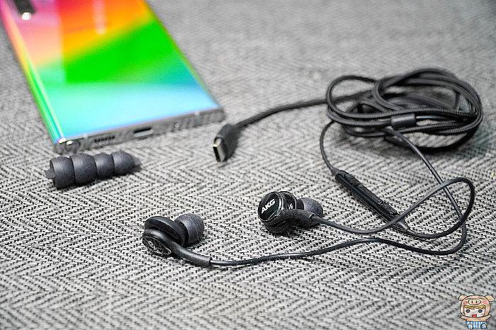 入耳式線控耳機