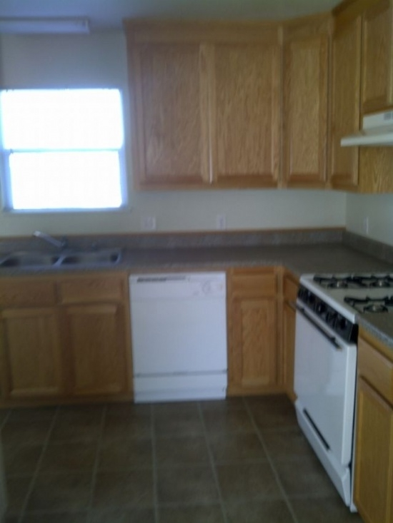 725 735 Lakeside Dr Red Bluff CA Apartment Finder