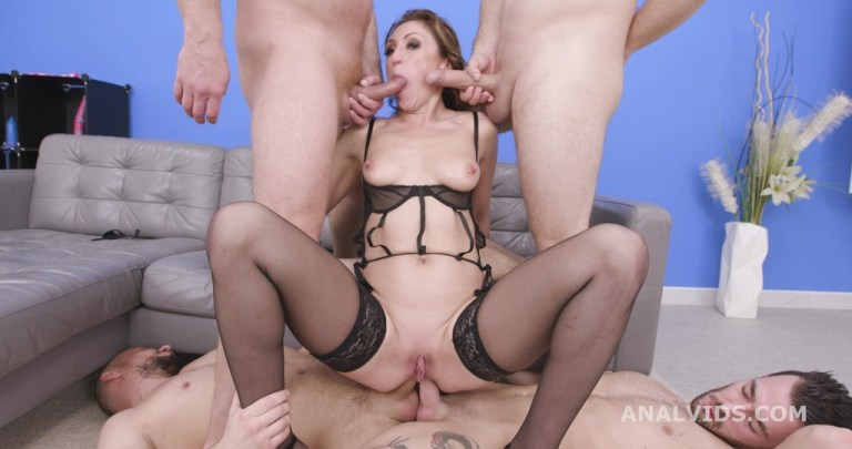 Julia North Goes Wild, With Balls Deep Anal, DAP, Anal Fist, TP and 5 Swallow GIO1767