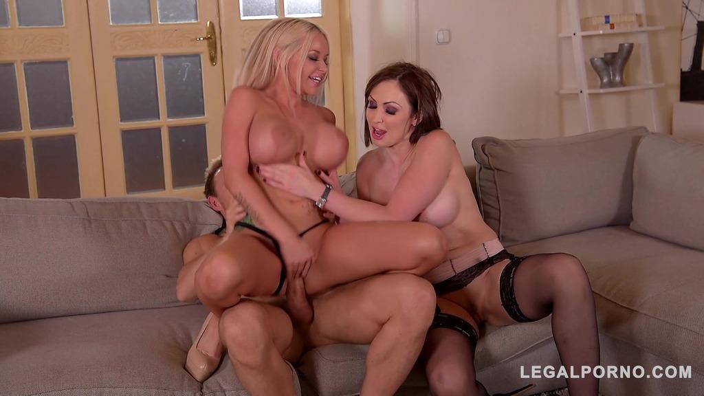 Insatiable vixens Rachel Richey & Yasmin Scott suck & fuck big veiny dick GP289