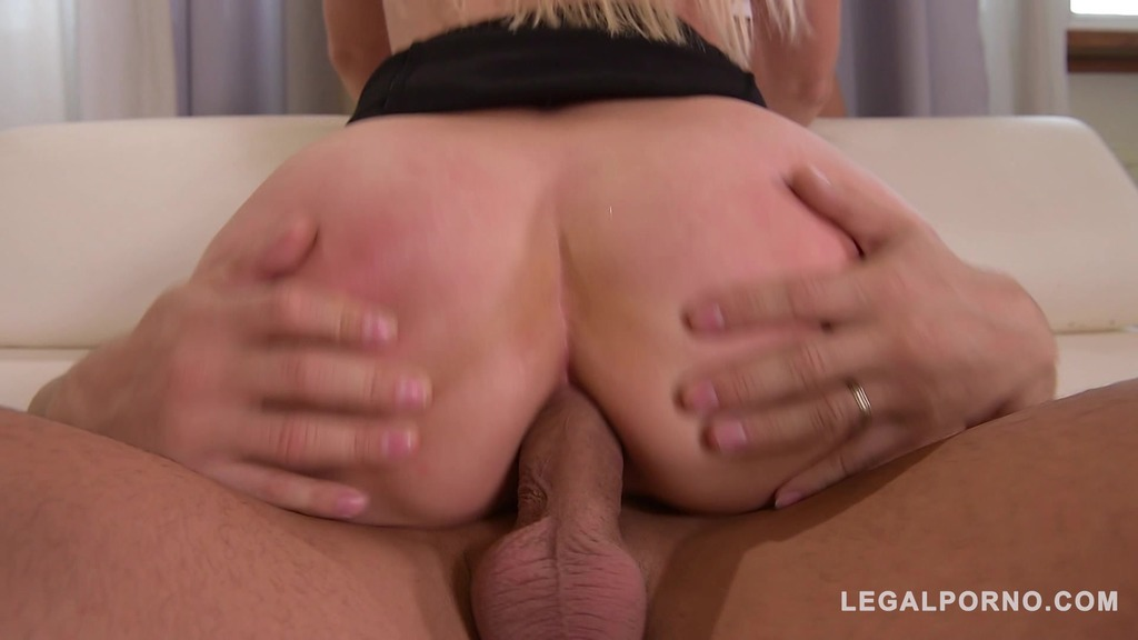 Hot Milf Vittoria Dolce double penetrated & loads of cum all over her face GP270