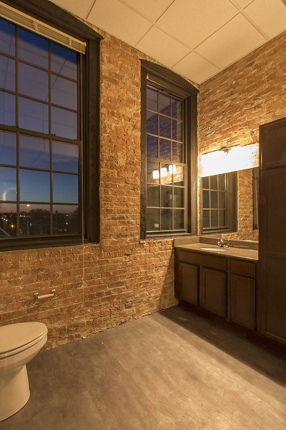 Shoe Factory Lofts Now Leasing Milwaukee Wi Apartment Finder