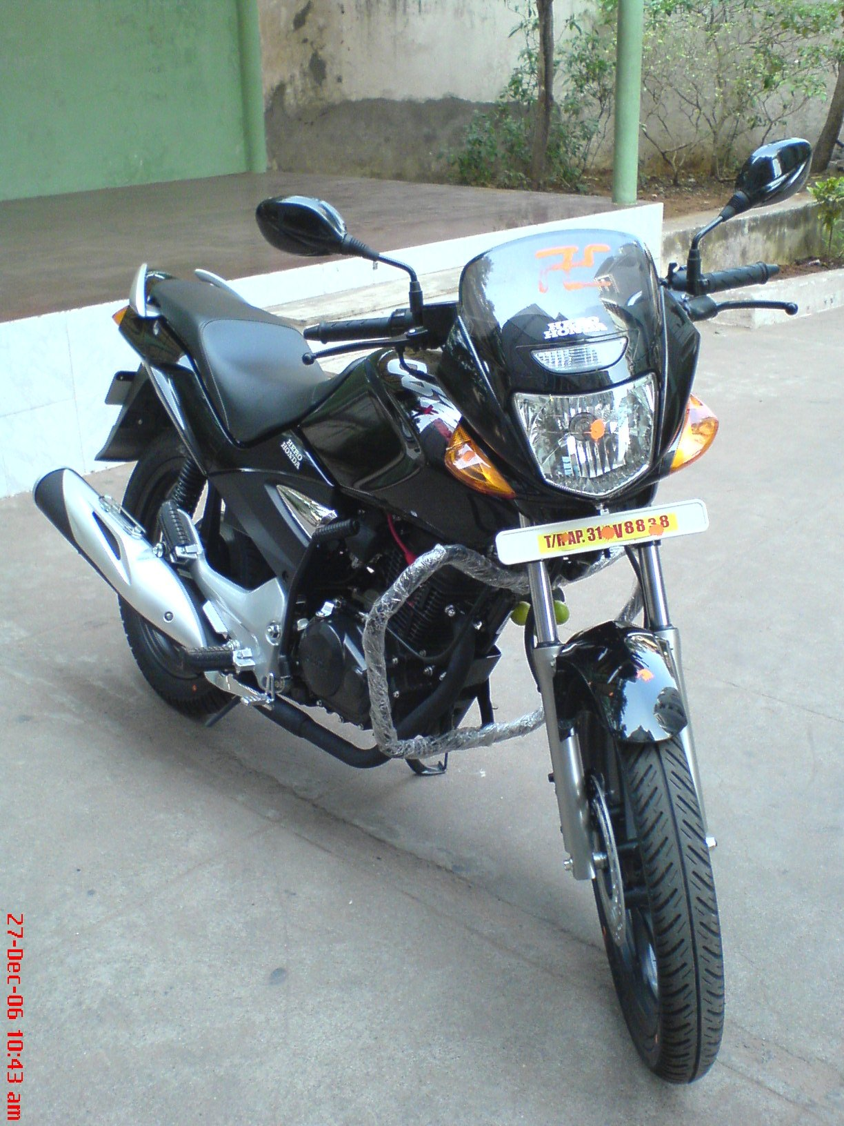 Hero Honda Cbz Xtreme Review Price Model Types Stores - Modern Home
