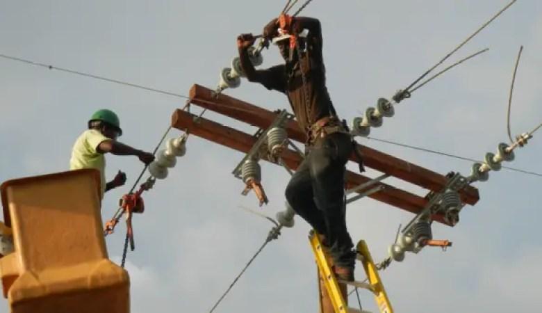 """Électricité 24/24 en Haïti: du rêve à """"une réalité incontournable"""" pour Jovenel Moïse - courant, edh, électricité"""