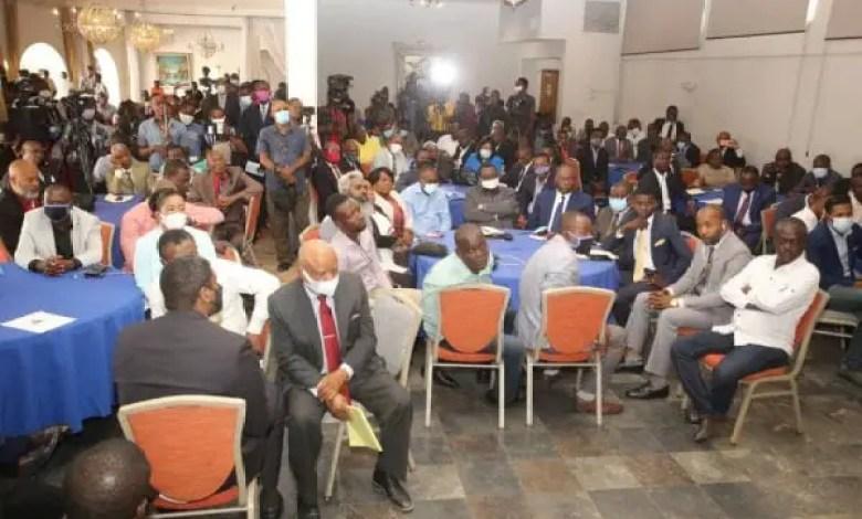 Le projet de la nouvelle Constitution remis à des partis politiques - Constitution, Haïti