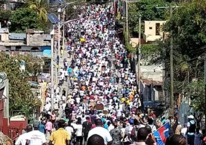 Port-au-Prince : Des milliers de manifestants dans les rues pour réclamer le départ de Jovenel Moïse - Carnaval, Jovenel Moïse