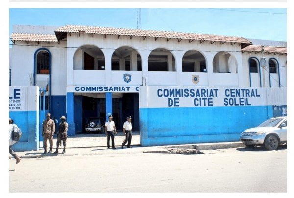 Le commissariat de Cité Soleil occupé par des bandits - Cité soleil, Commissariat, Ti Gabriel