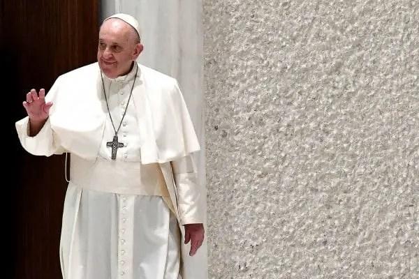 Une enveloppe contenant 3 balles de calibre 9 mm adressée au pape François -