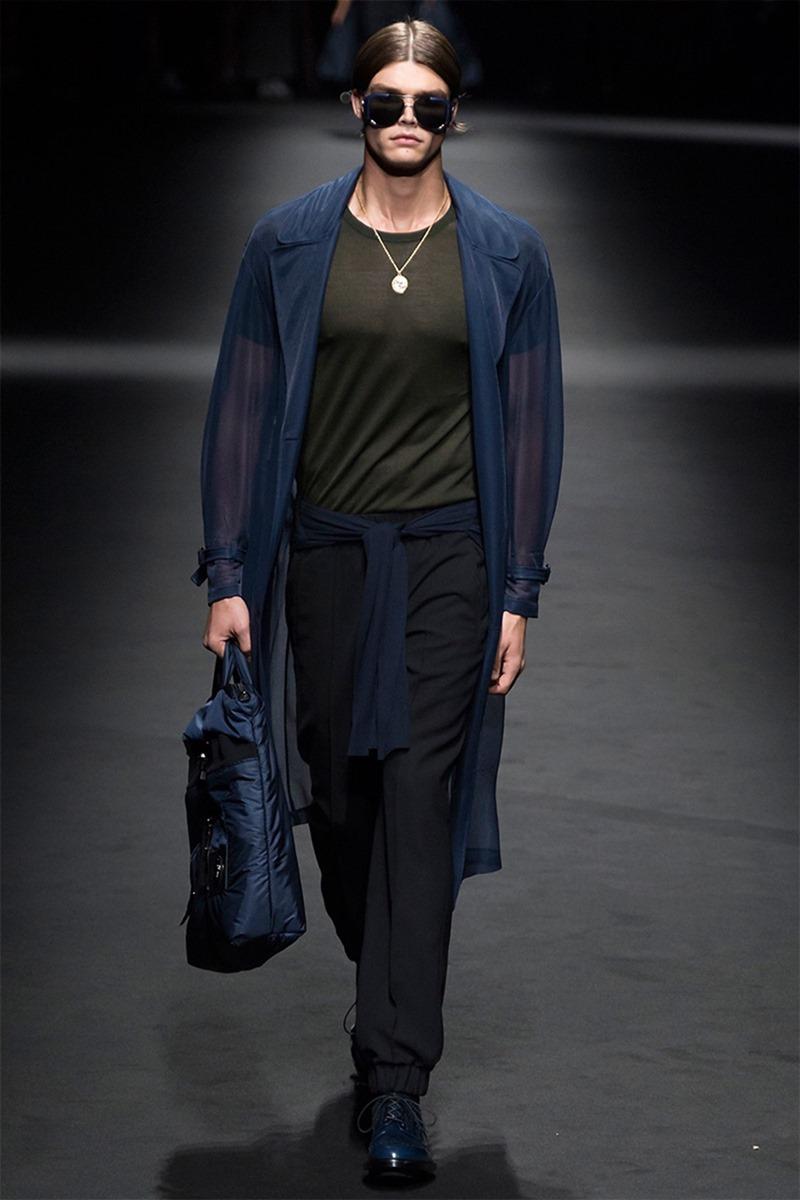 MILAN FASHION WEEK Versace Spring 2017. www.imageamplified.com, Image Amplified (27)