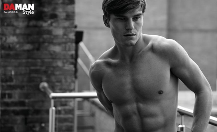 DAMAN MAGAZINE Oliver Cheshire by Mitchell Nguyen McCormack. Fall 2016, www.imageamplified.com, Image Amplified (1)