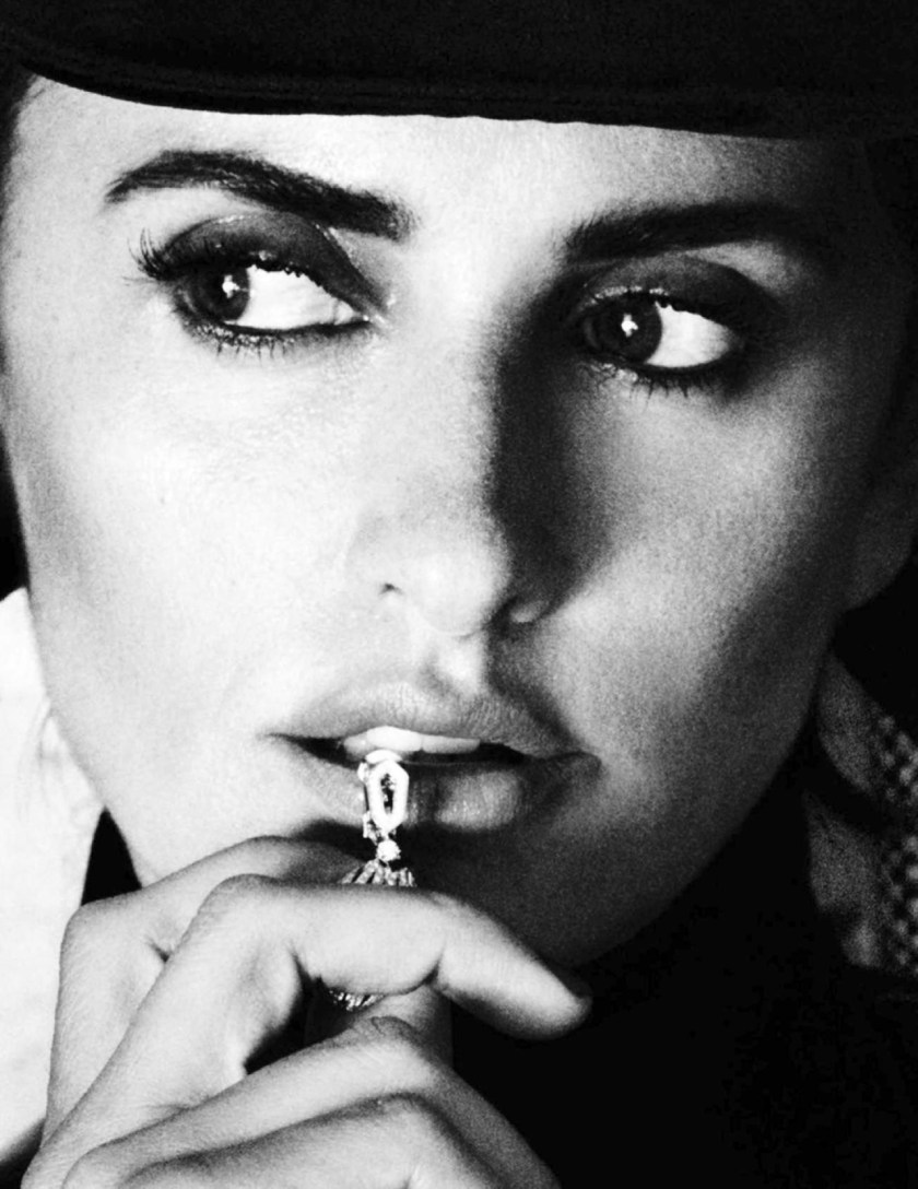 VOGUE SPAIN Penelope Cruz by Mario Testino. Anastasia Barbieri, December 2016, www.imageamplified.com, Image Amplified5