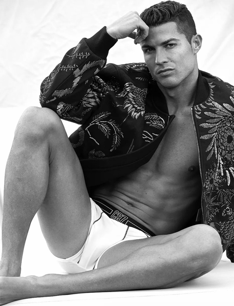 DSECTION MAGAZINE Cristiano Ronaldo by Philippe Vogelenzang. Nelly Goncalves, Fall 2016, www.imageamplified.com, image Amplified (4)