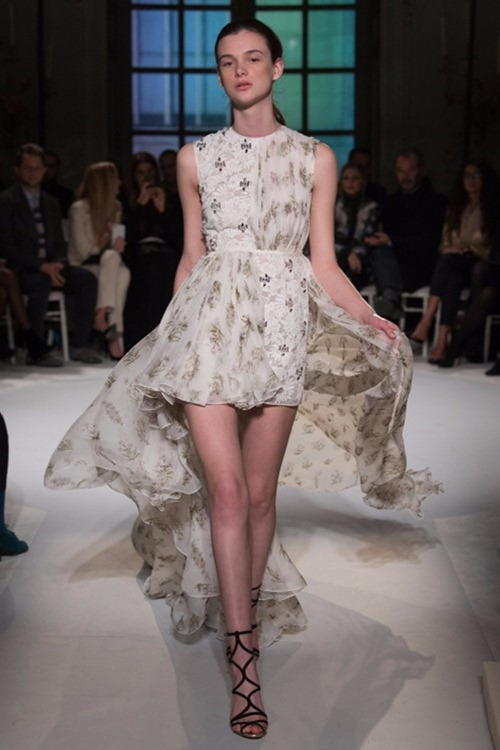 PARIS HAUTE COUTURE Giambattista Valli Couture Spring 2017. www.imageamplified.com, Image Amplified17