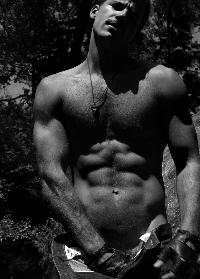 MASCULINE DOSAGE Taylor Phillips by Marco Ovando. Spring 2018, www.imageamplified.com, Image Amplified3