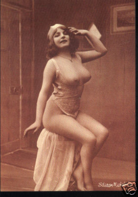 1950 buxom women