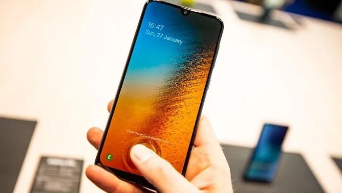 Samsung galaxy A40 especificaciones y precio en el mercado