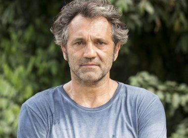 Viúva de Montagner recebe prêmio em homenagem ao ator: 'O espetáculo não para'