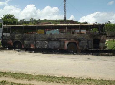 Itapé: Fogo consome ônibus de companhia de circo; veja vídeo