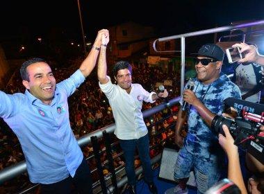 'Sou o prefeito do Subúrbio', diz Neto, durante comemoração; Psirico toca em trio
