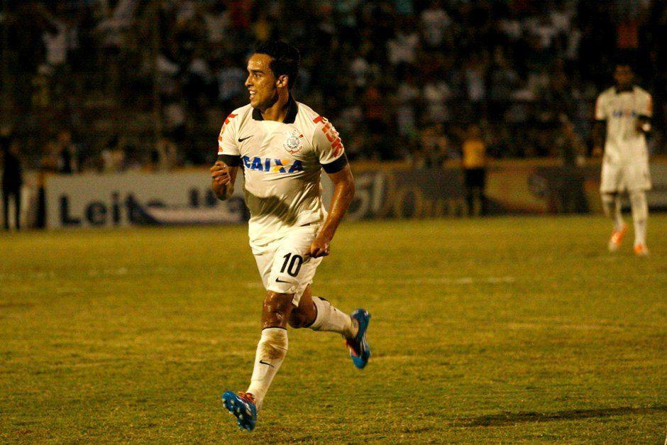 Em busca do recorde! Jadson pretende bater Guerrero neste domingo / Rubens Cardia Futura Press Folhapress