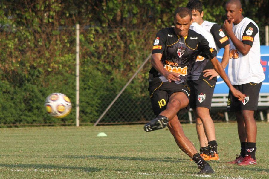 Com a demissão de Carpegiani, Rivaldo deve ganhar uma chance como titular do São Paulo / Foto: João Neto/VIPCOMM