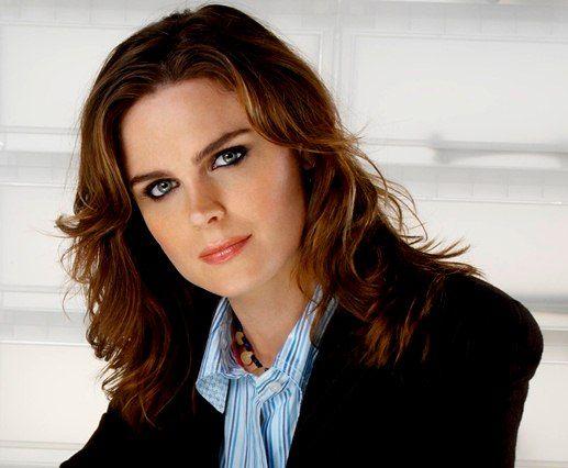 Emily Deschanel é a Dra.Temperance Brennan /
