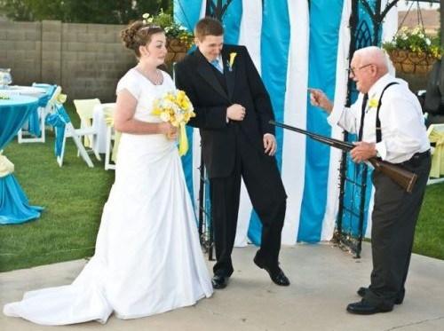 Foto engraçada de casamento | uniquelyyoumt.com