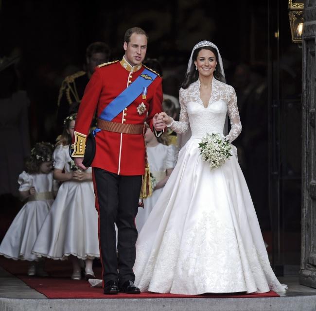 Vestido de Kate Middlenton - Foto: © AP / FOTOLINK / East News.ru