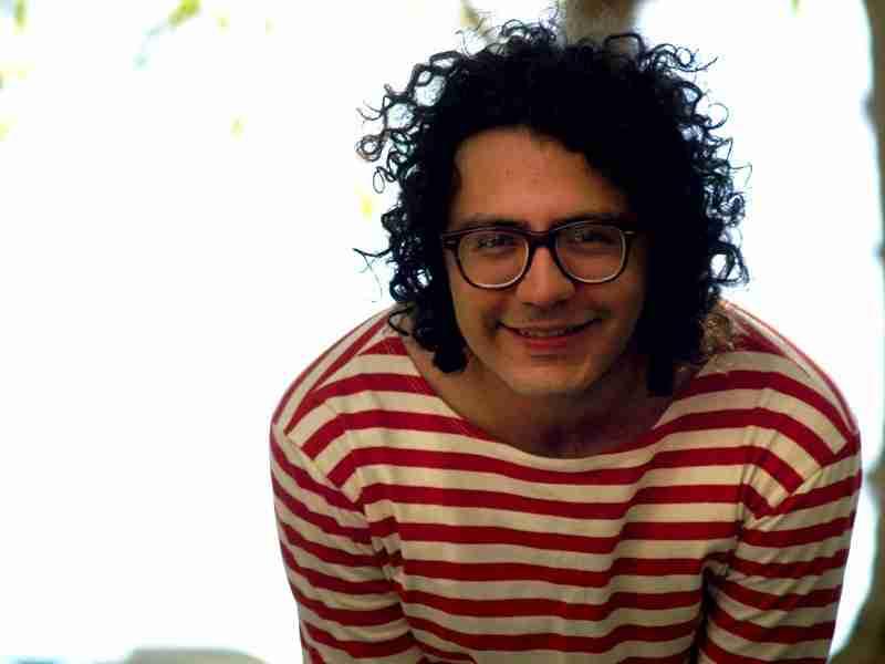 En Hard Rock café Caracas el cantautor venezolano Zarik Medina.