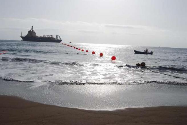 Barco Cablero A Su Llegada A Telde (Gran Canaria)