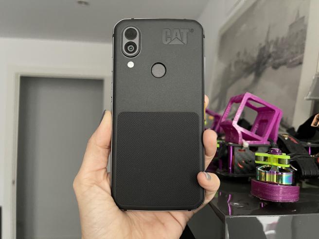 Cat S62 Pro es un gran teléfono en cuanto a resistencia y a manejo, perfecto para una vida movida.