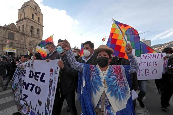 Simpatizantes del gobierno del presidente de Bolivia, Luis Arce, durante una manifestación en La Paz.