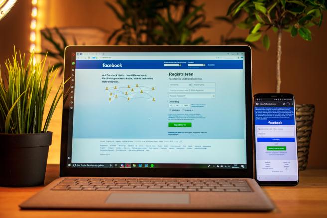 Facebook recibe muchas críticas por su algoritmo.