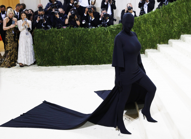 Kim Kardashian en la alfombra roja de la Gala MET 2021.