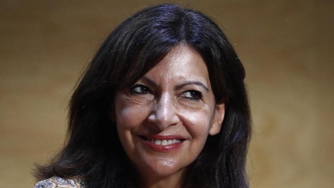 La alcaldesa de París, Anne Hidalgo.