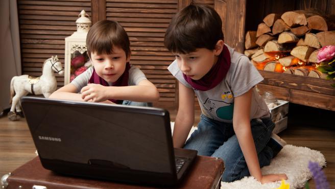 Nannyfy ofrece actividades en directo y online para niños entre 4 y 11 años.