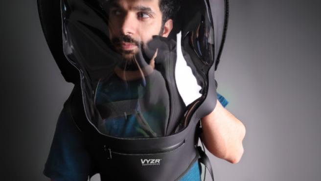 El llamativo equipo de protección personal BioVYRZ 1.0
