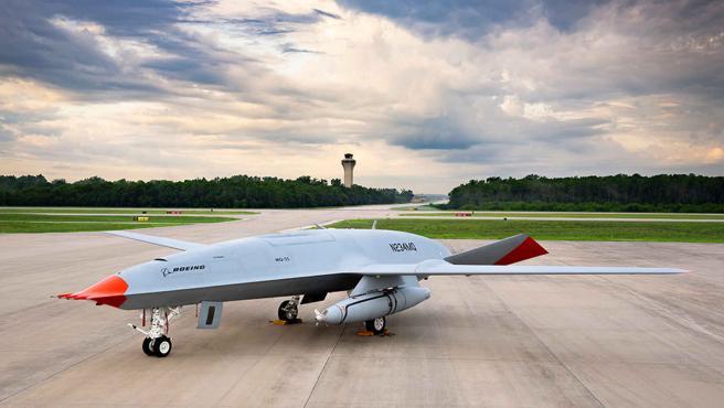 'MQ-25 Stingray' ha sido desarrollado por la empresa Boing que se encarga de diseñar, fabricar y vender aviones.